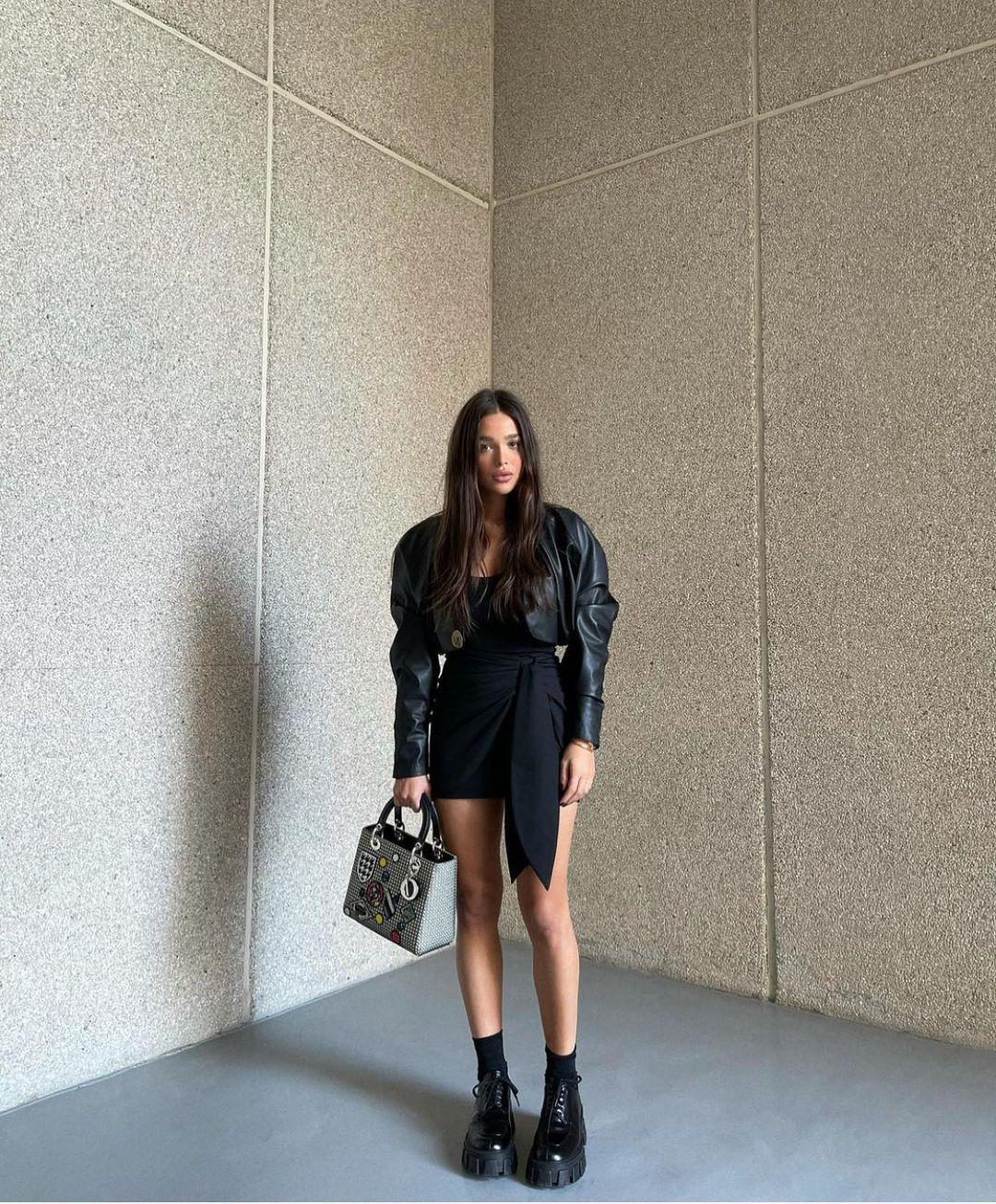 mini skirt with bow de Zara sur zarastreetstyle