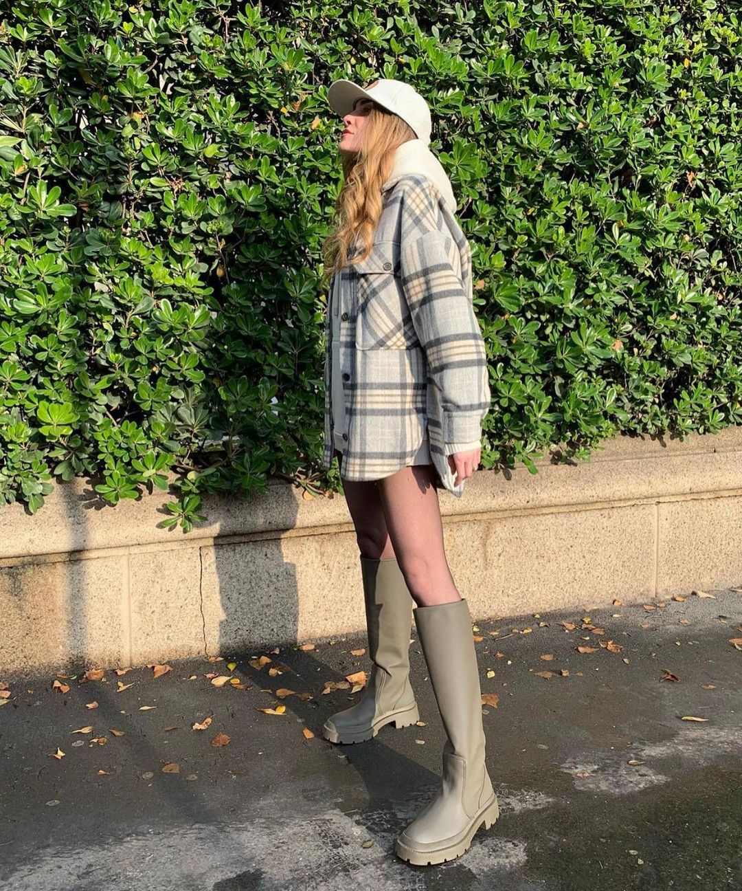 bottes plates gommées de Zara sur zara_streets