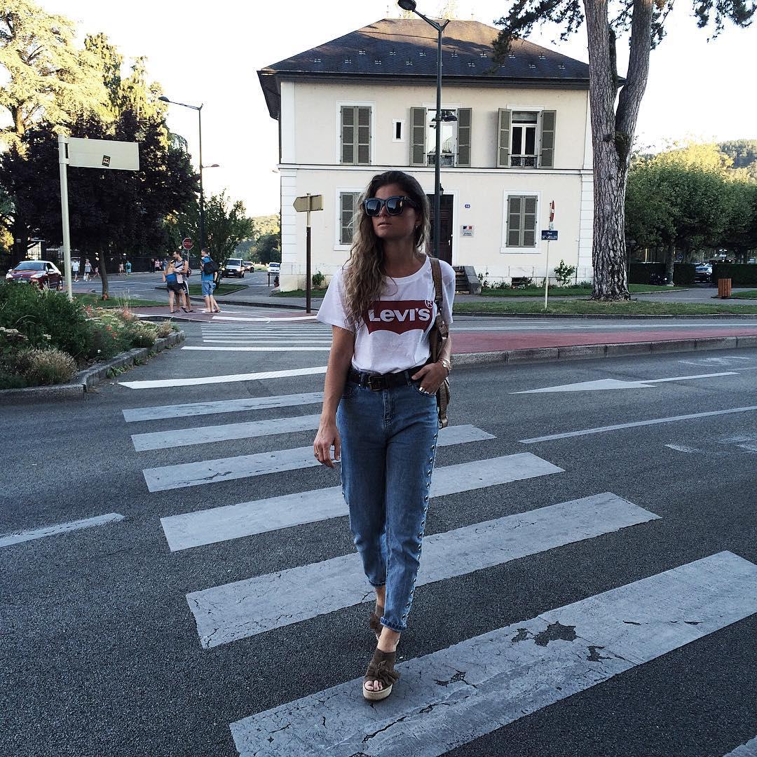 white levis t-shirt de Les Bourgeoises sur marieandmood