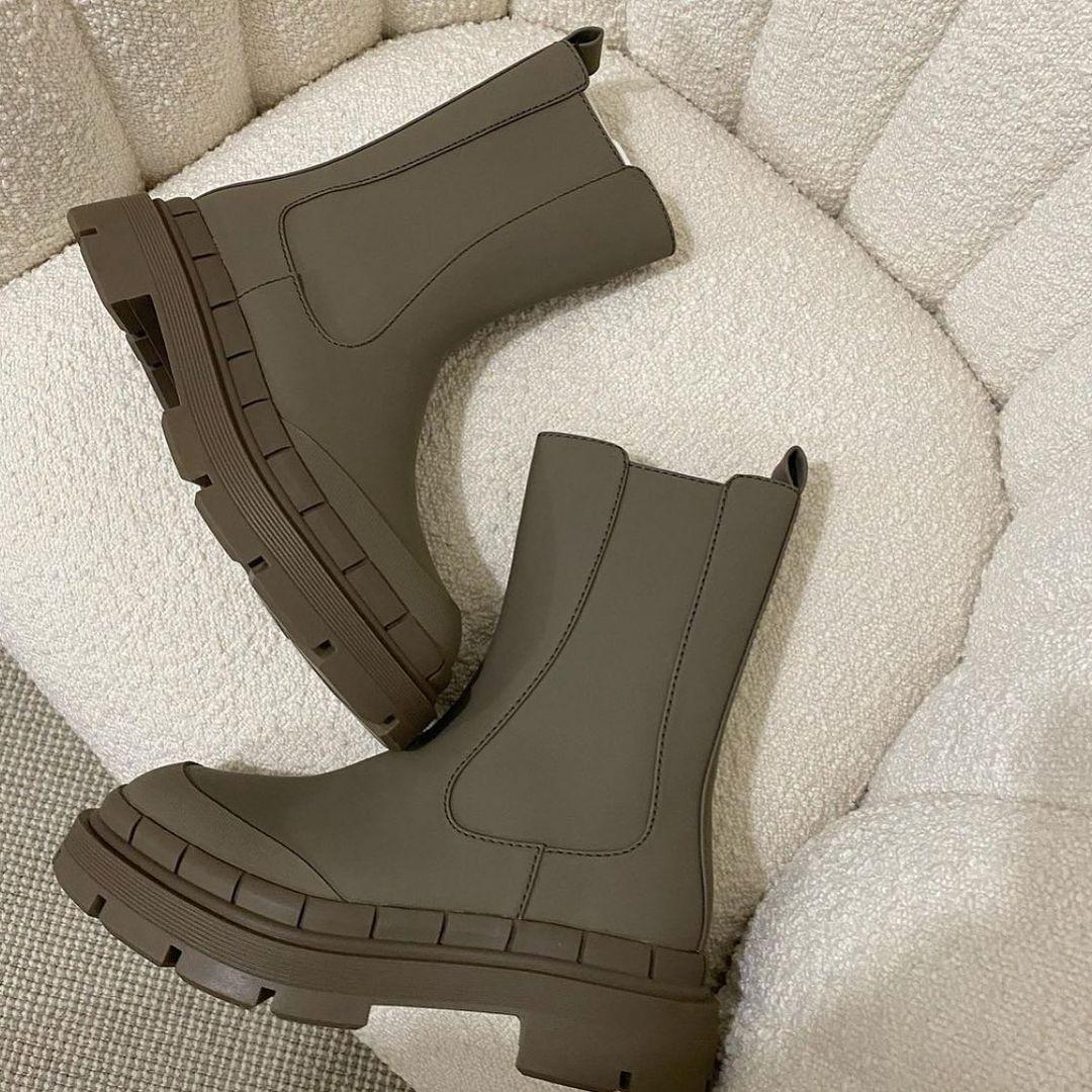 flat ankle boots with gummed effect de Zara sur zara.style.daily