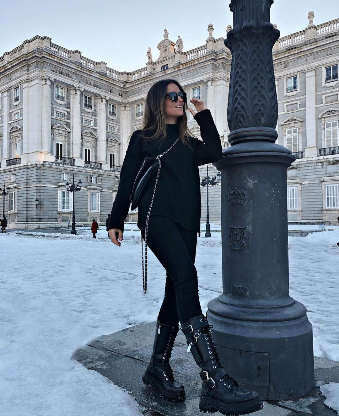 bottes hautes à lacets avec poche de Zara sur zara.outfits