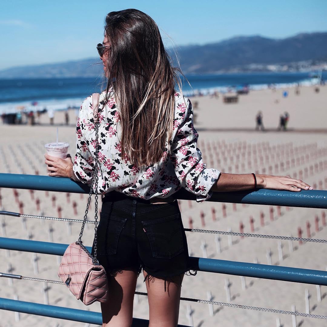 ripped denim shorts de Zara sur martacarriedo