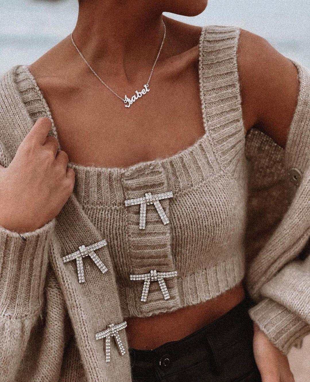 gilet en maille avec boutons bijoux de Zara sur zara.outfits