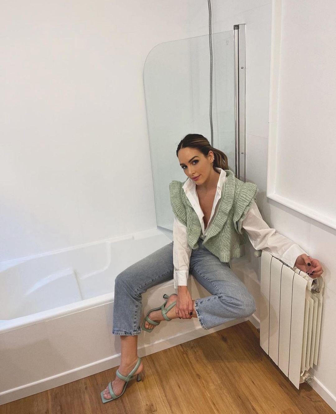 ruffle open sleeveless vest de Zara sur zarastreetstyle