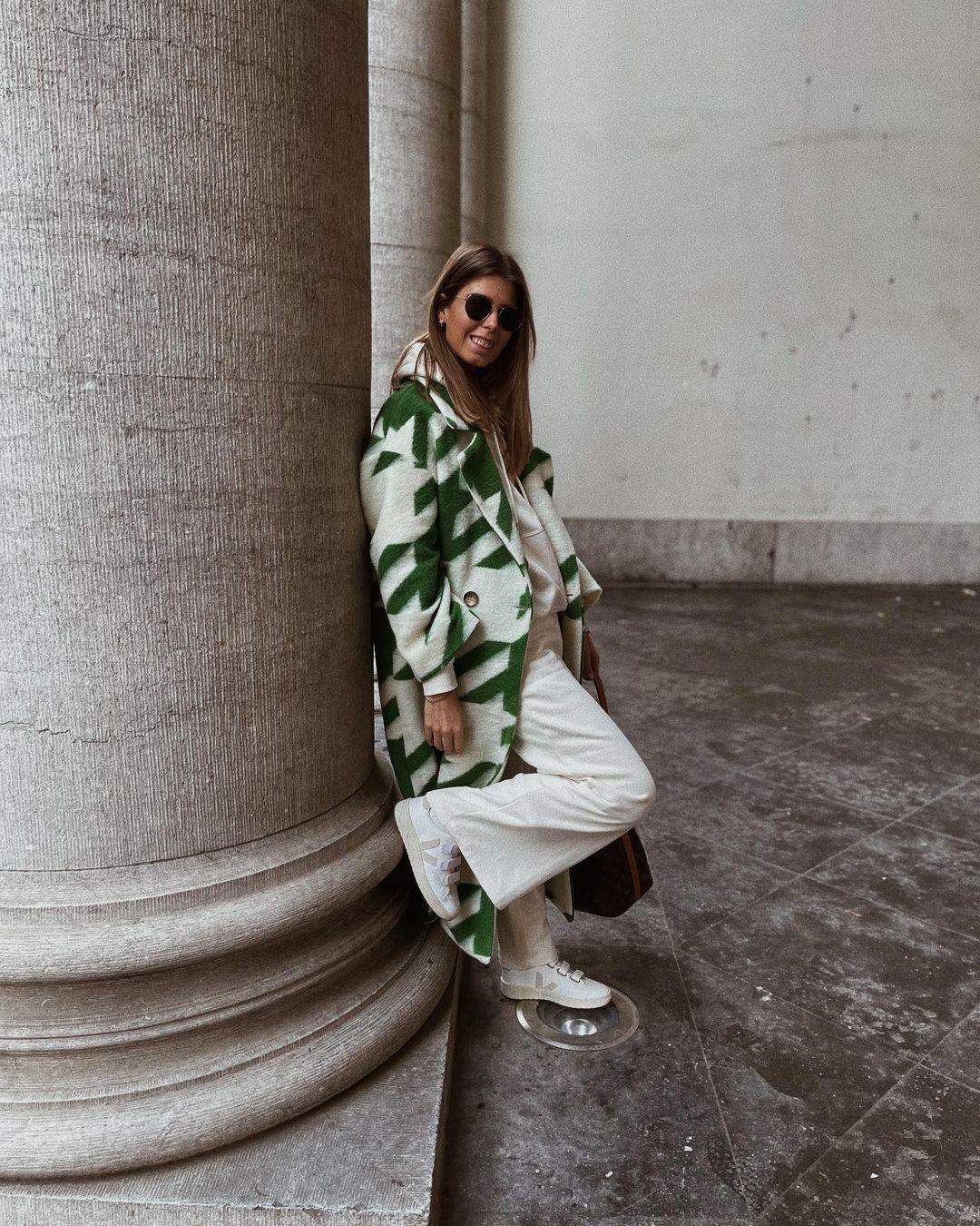pantalon en velours côtelé de H&M sur nooomsworld