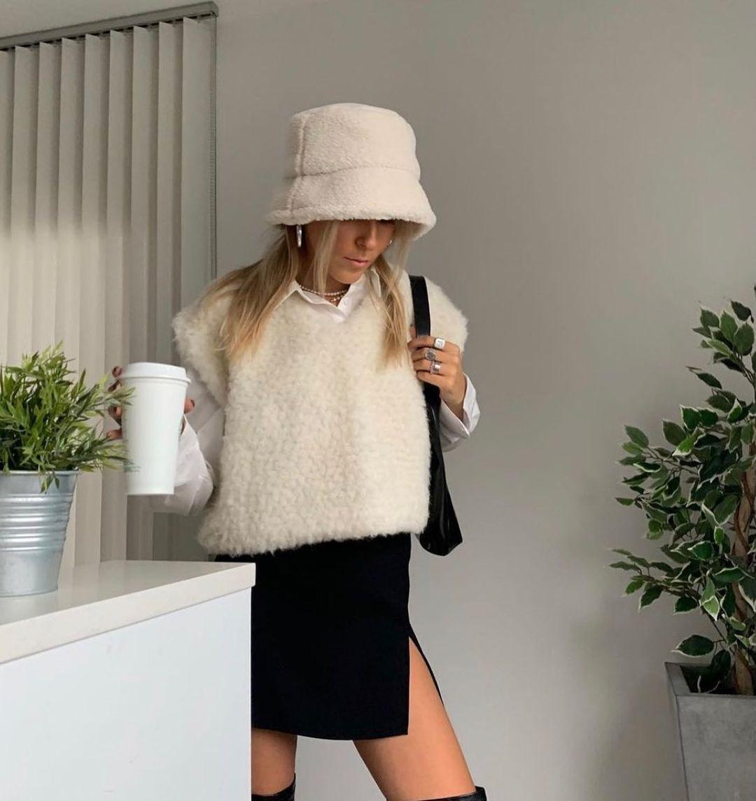 slit mini skirt de Zara sur zara.style.daily