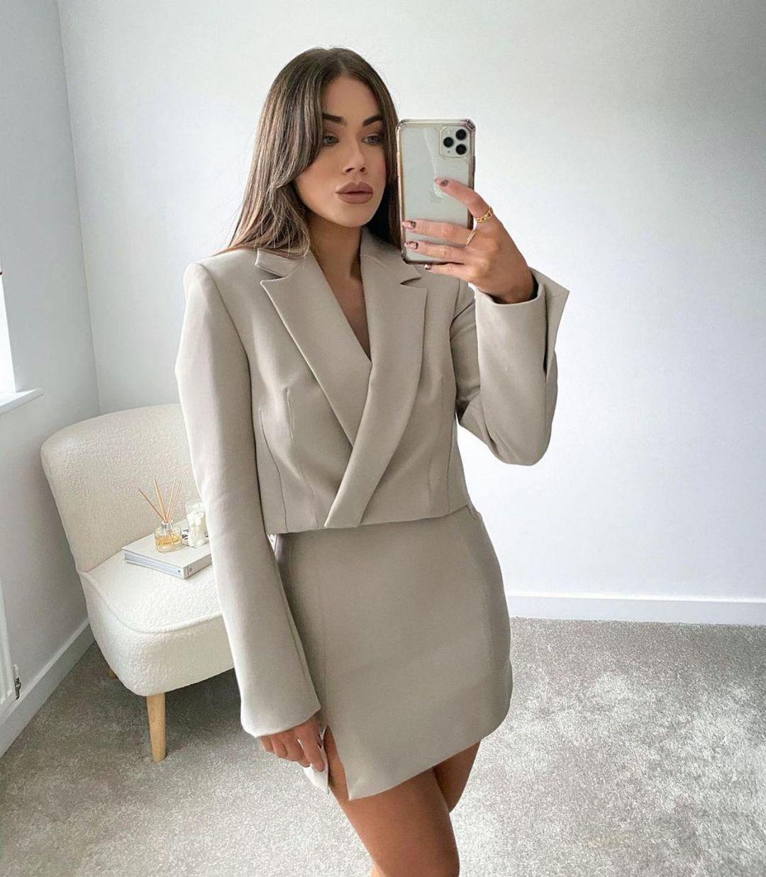 split mini skirt de Zara sur zaraaddiction