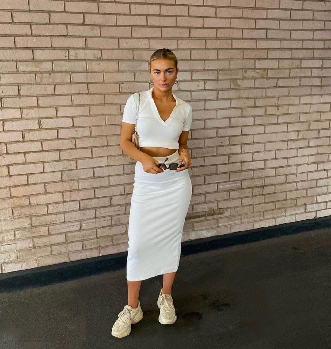 ribbed mid-length skirt de Zara sur zara.style.daily