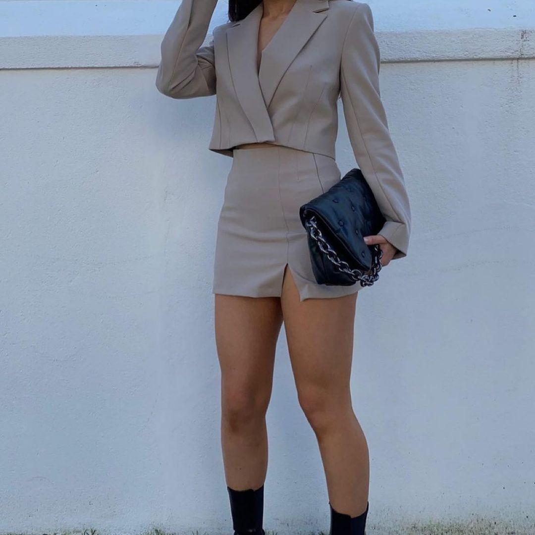 split mini skirt de Zara sur zara.style.daily