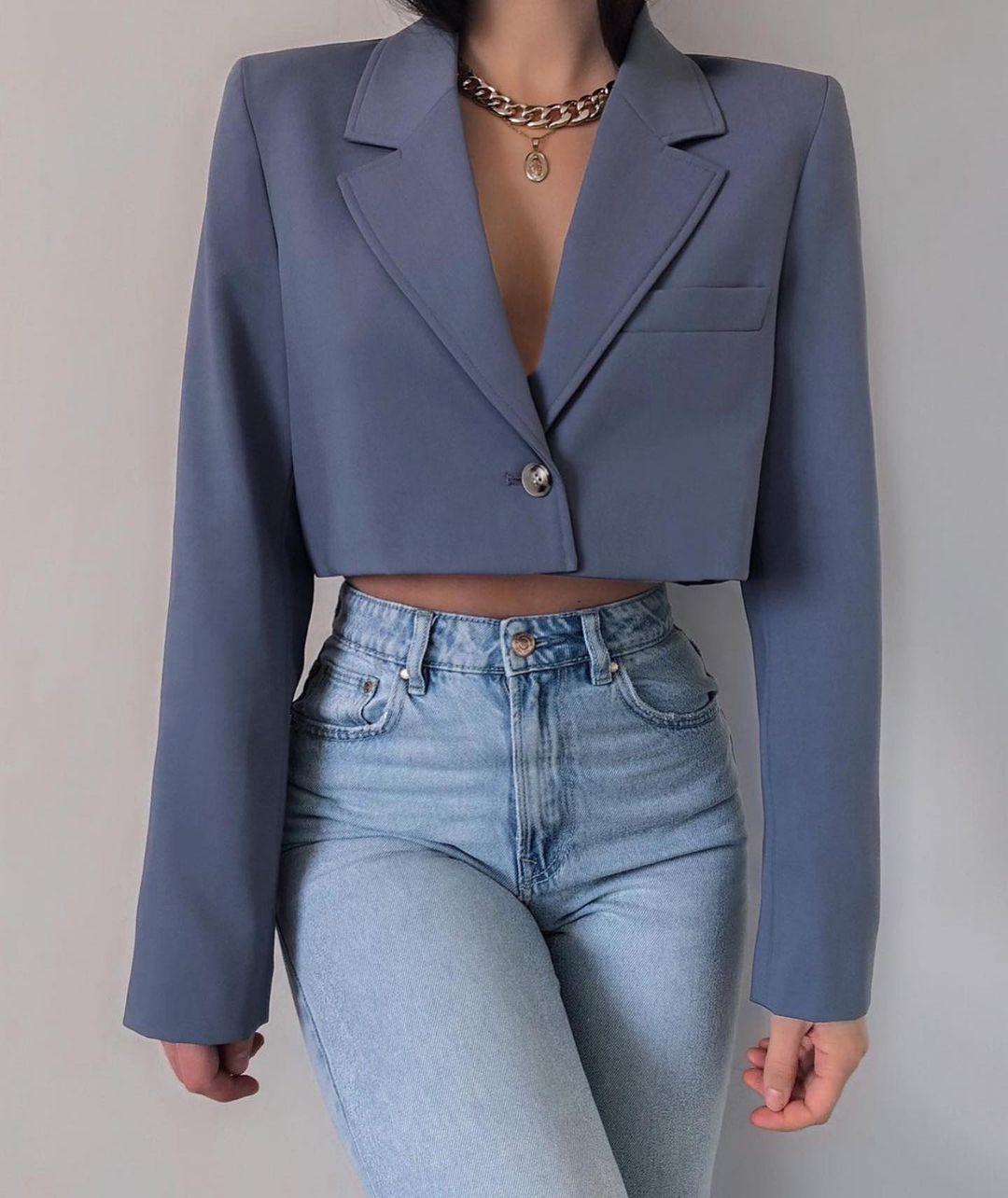 blazer cropped avec surpiqûres de Zara sur zara.outfits