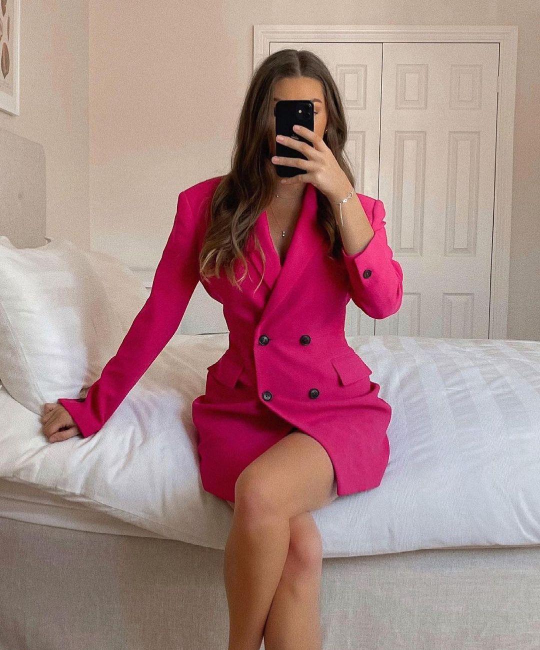 blazer robe à boutons de Zara sur zara.outfits
