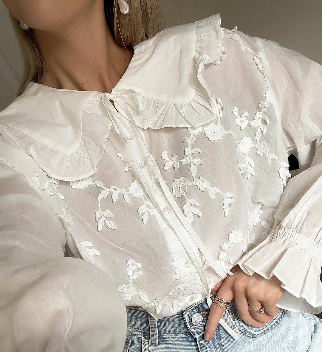 blouse ibiza de Mango sur mangooutfits