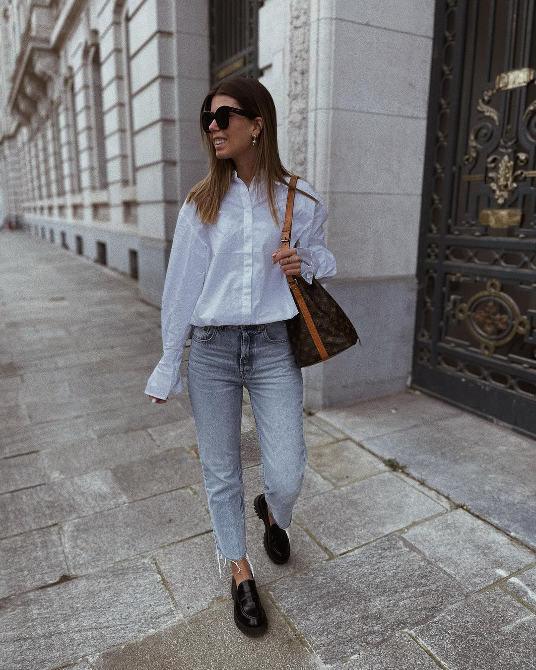 jean mom fit de Zara sur nooomsworld