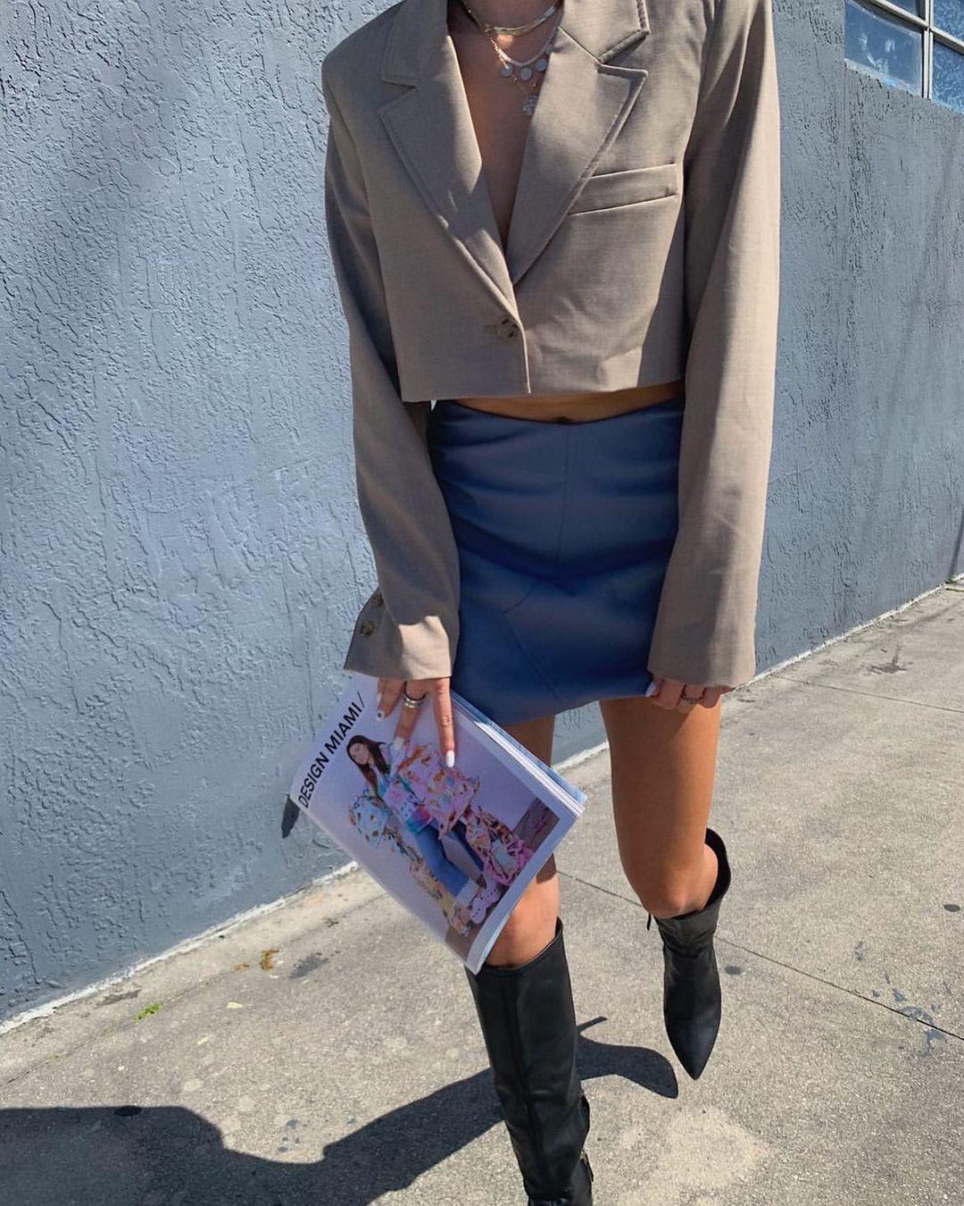ruched mini skirt de Zara sur zarastreetstyle