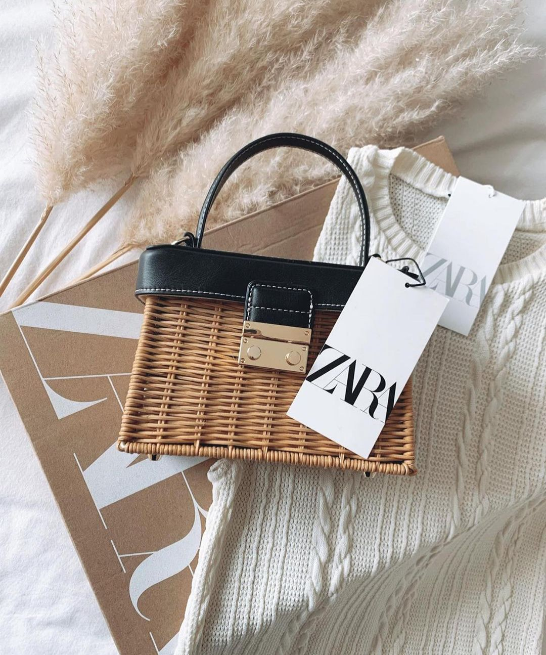 rigid rattan handle bag de Zara sur zaraaddiction