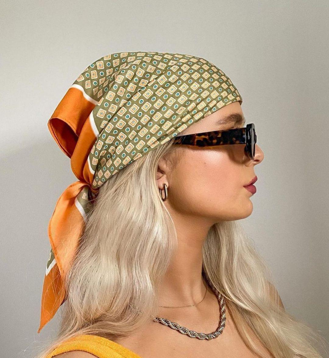 geometric print satin scarf de Zara sur zara.style.daily