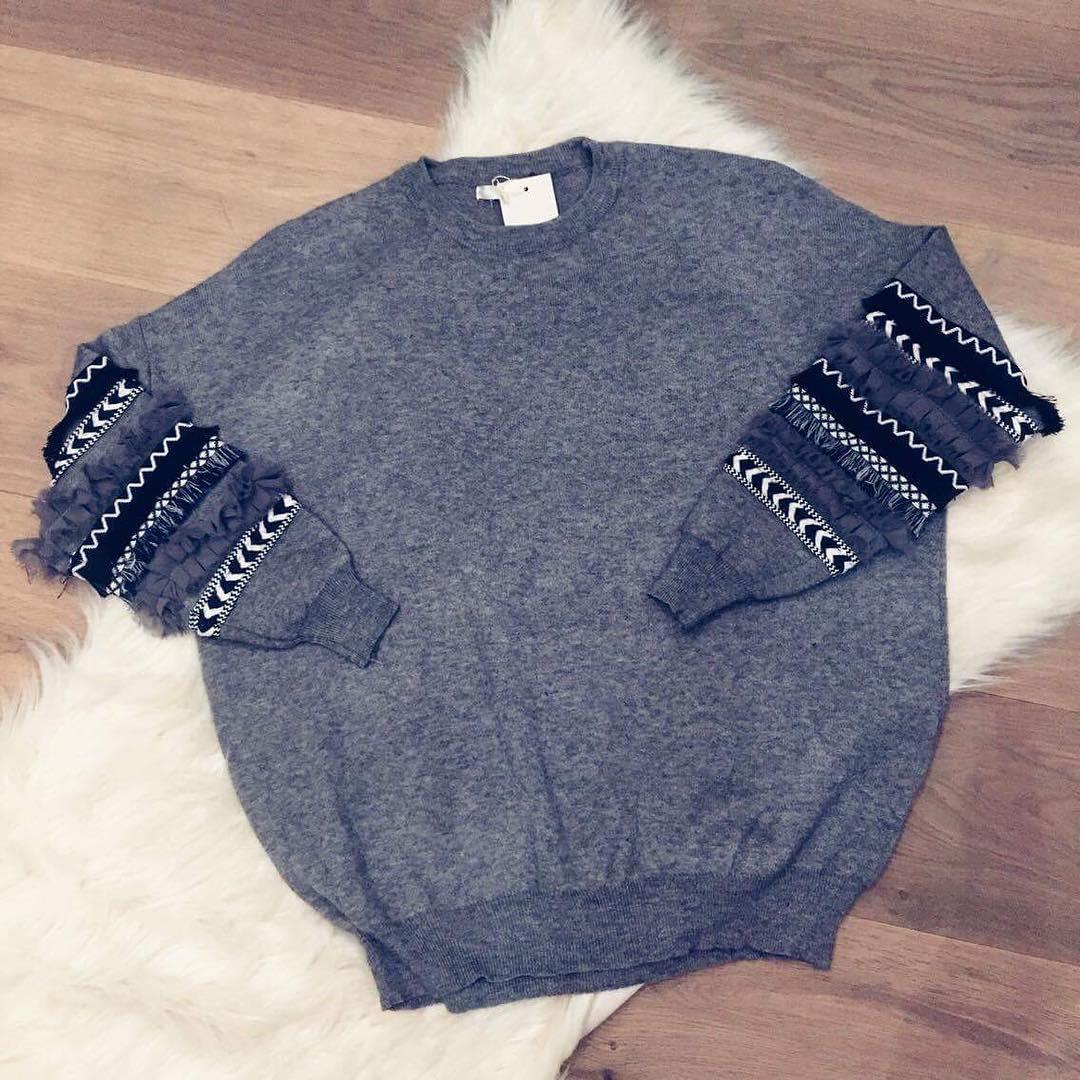 grey frou pullover de Les Bourgeoises sur beaumonde.fashion