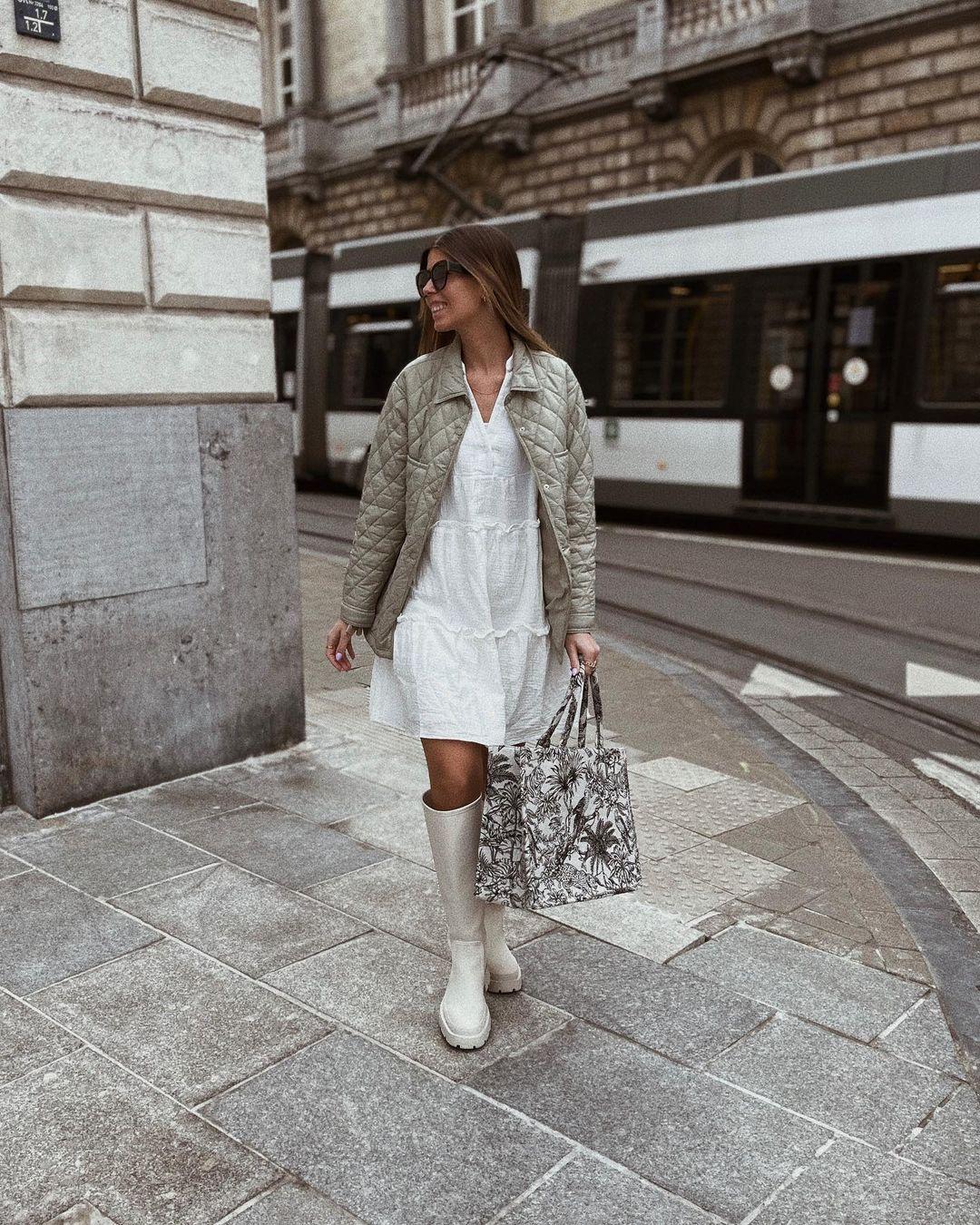 gummed flat boots de Zara sur nooomsworld