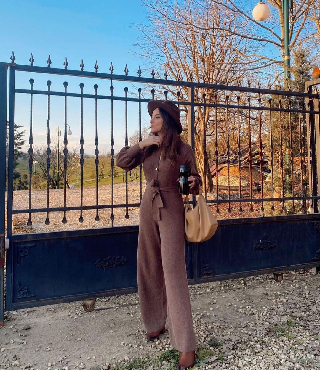 one-piece suit brown de Mango sur mango.outfits