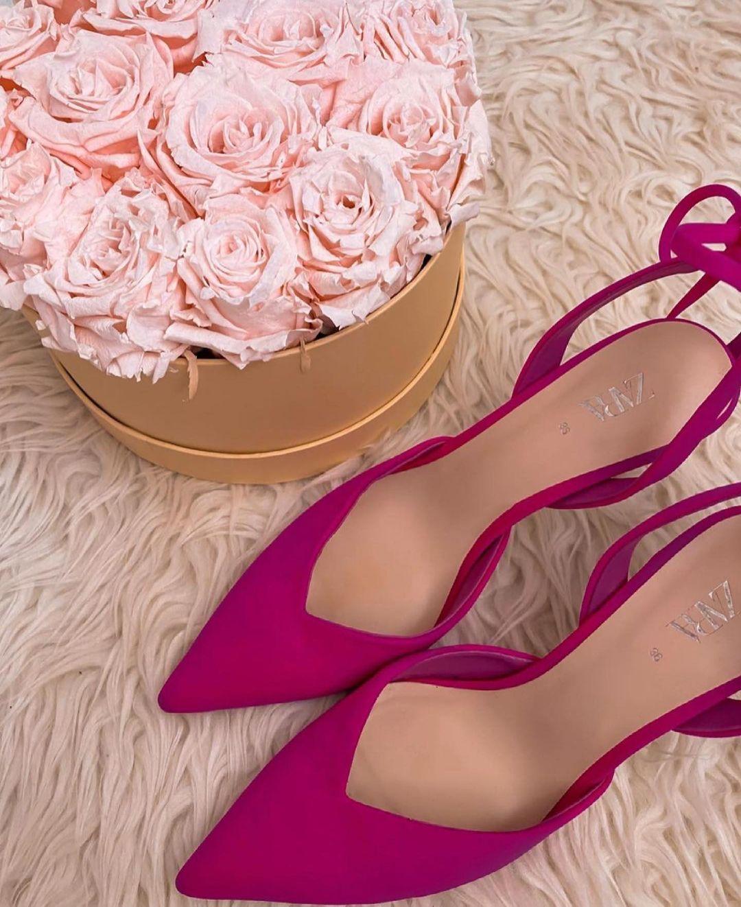 neckline heel shoes de Zara sur zaraaddiction