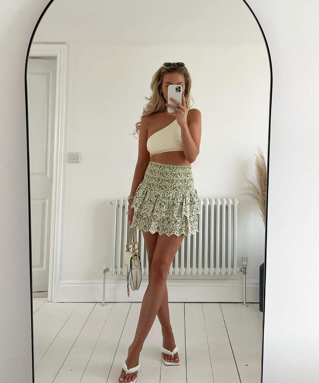 mini jupe imprimée de Zara sur zara.outfits