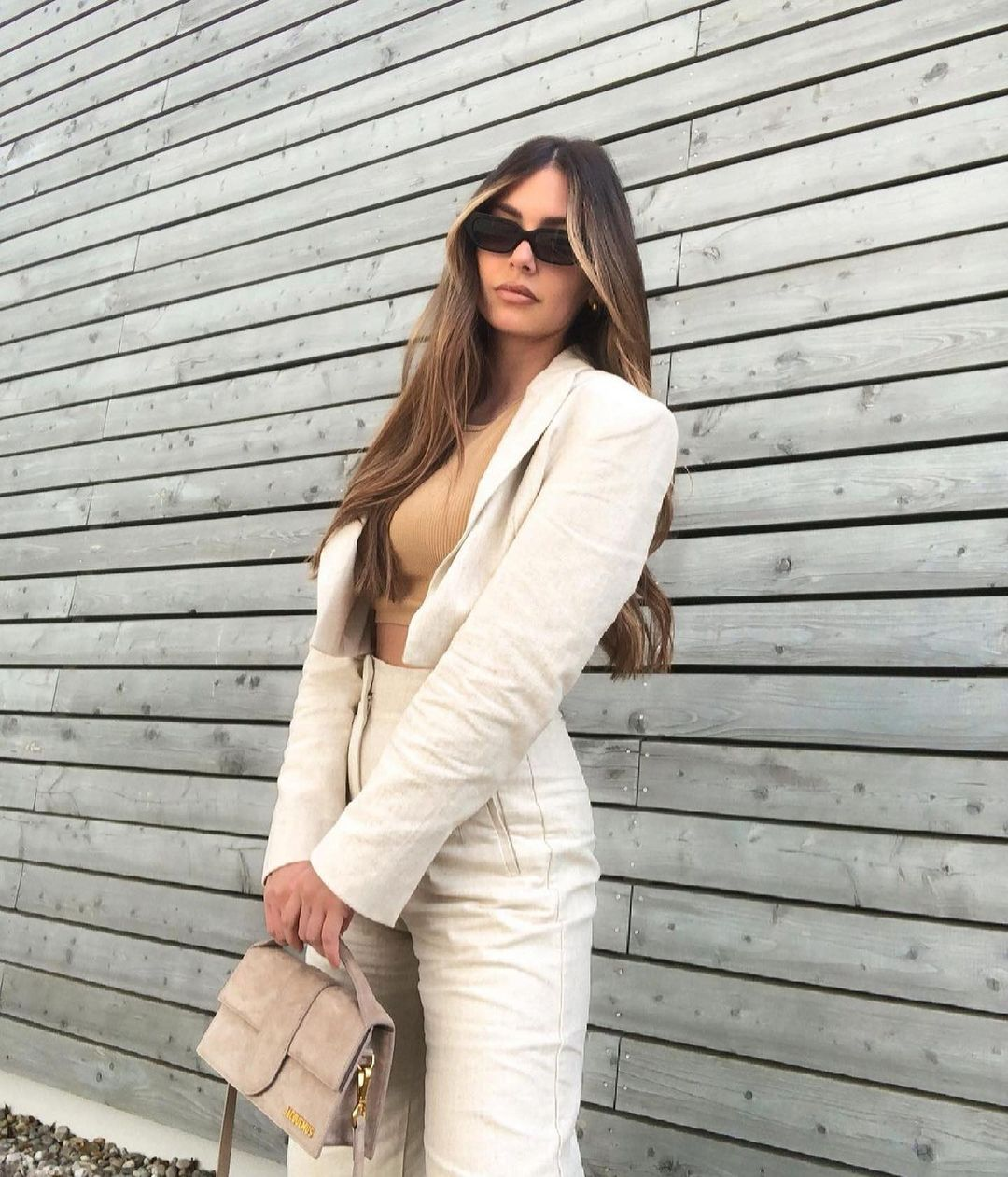 blazer crop avec surpiqûres de Zara sur zara.outfits