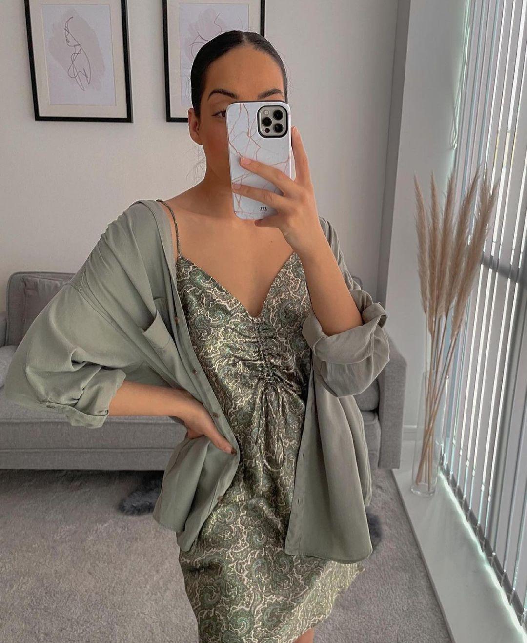 printed short dress de Zara sur zaraaddiction