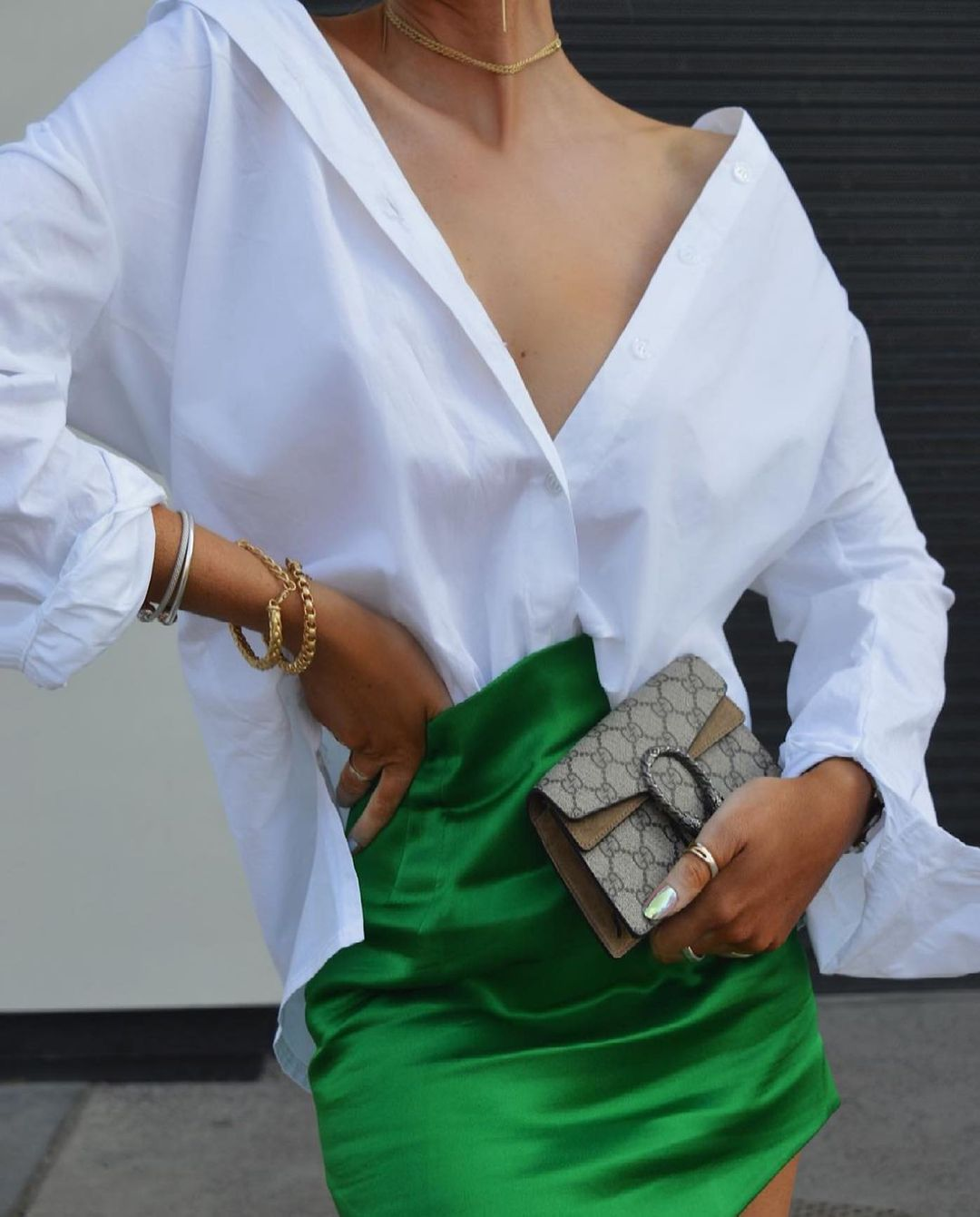 satin mini skirt de Zara sur zara.style.daily