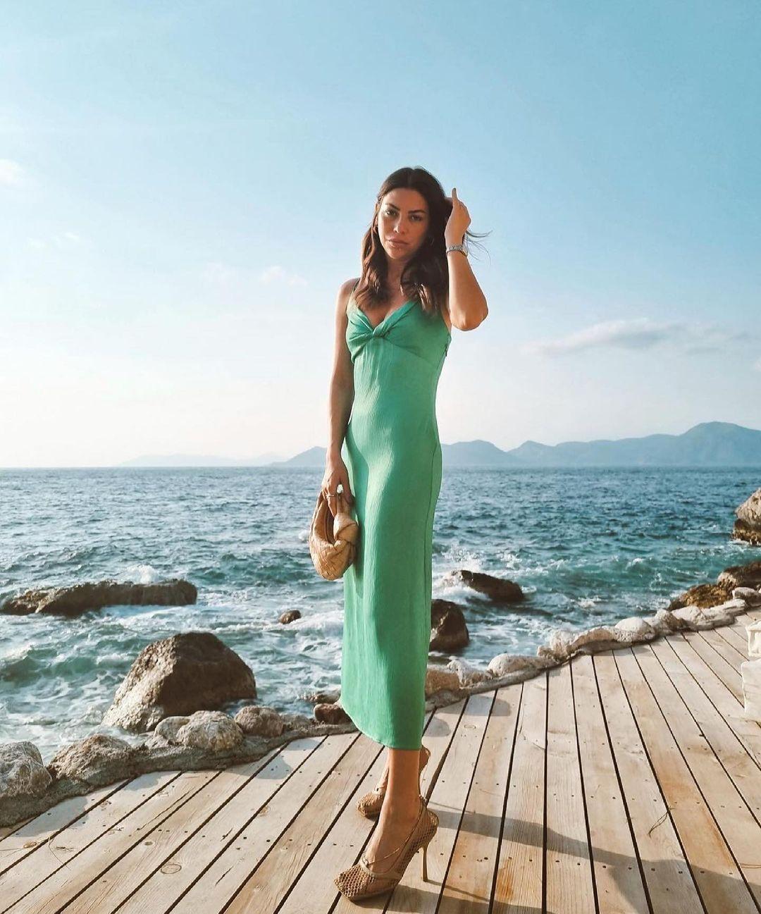 robe longue à fronces de Zara sur zara.outfits