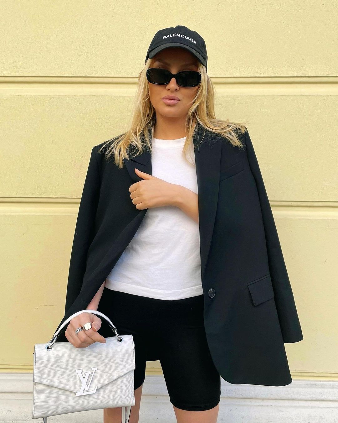 straight fit blazer with pockets de Zara sur zarastreetstyle