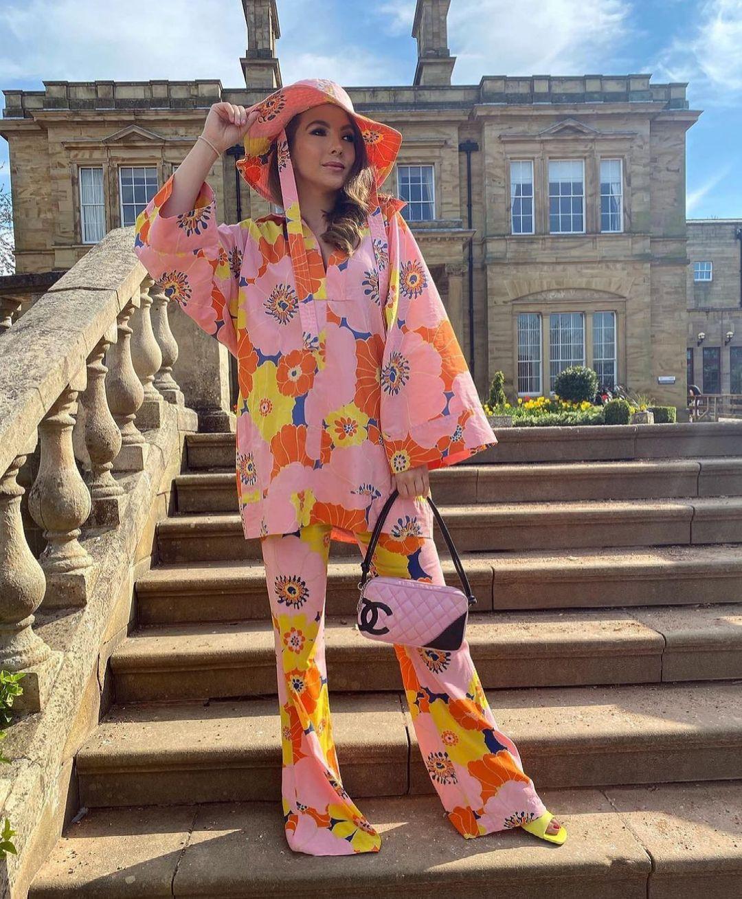 floral print pants de Zara sur zara.style.daily