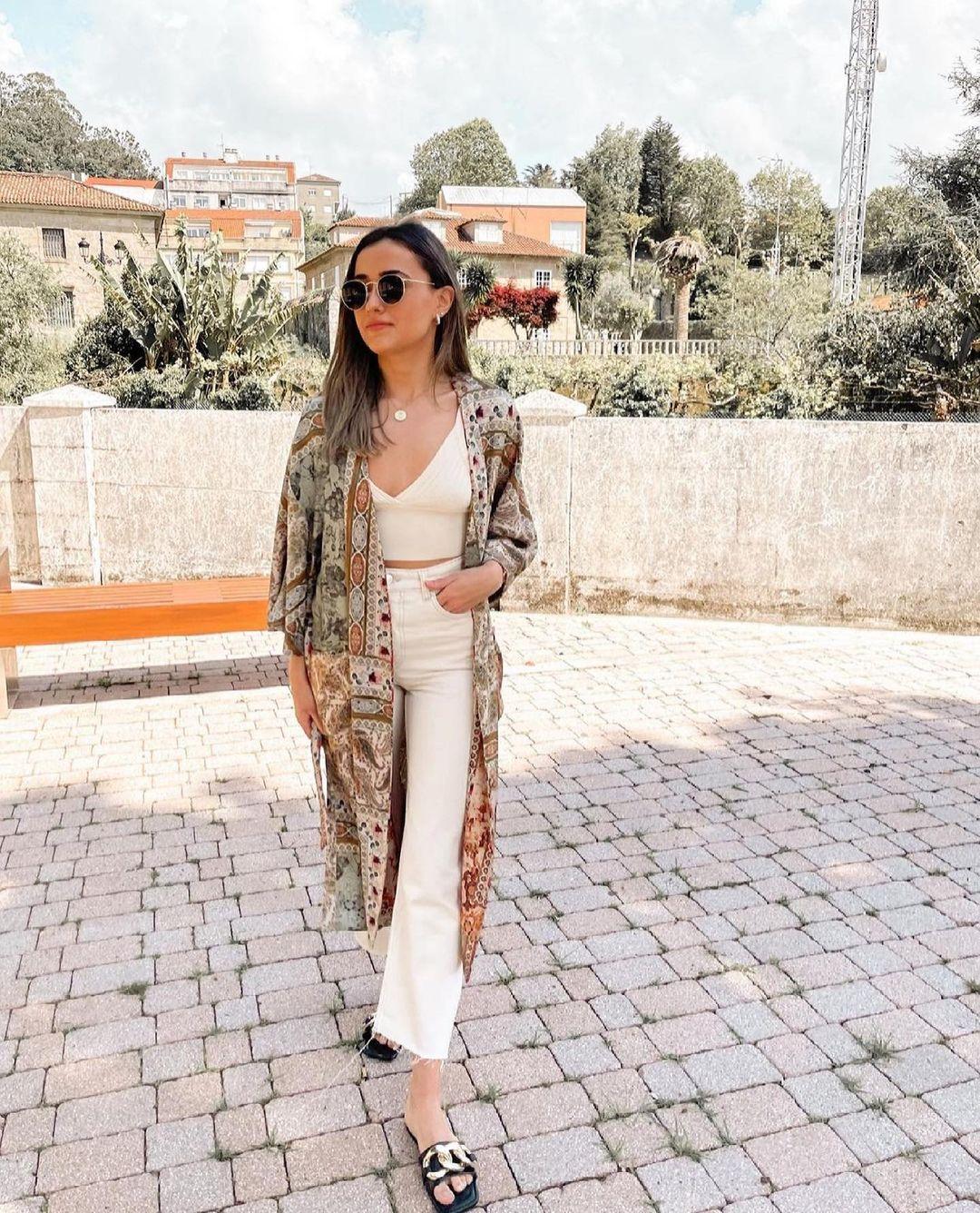 sandales plates en cuir avec chaîne de Zara sur zara.outfits