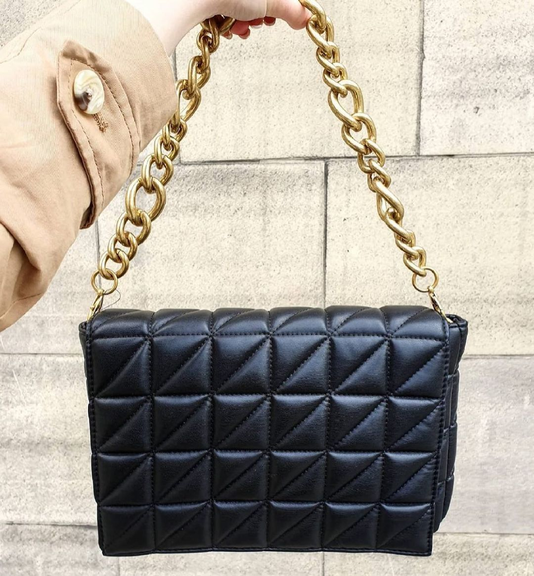 quilted shoulder bag with chain de Zara sur zara.style.daily