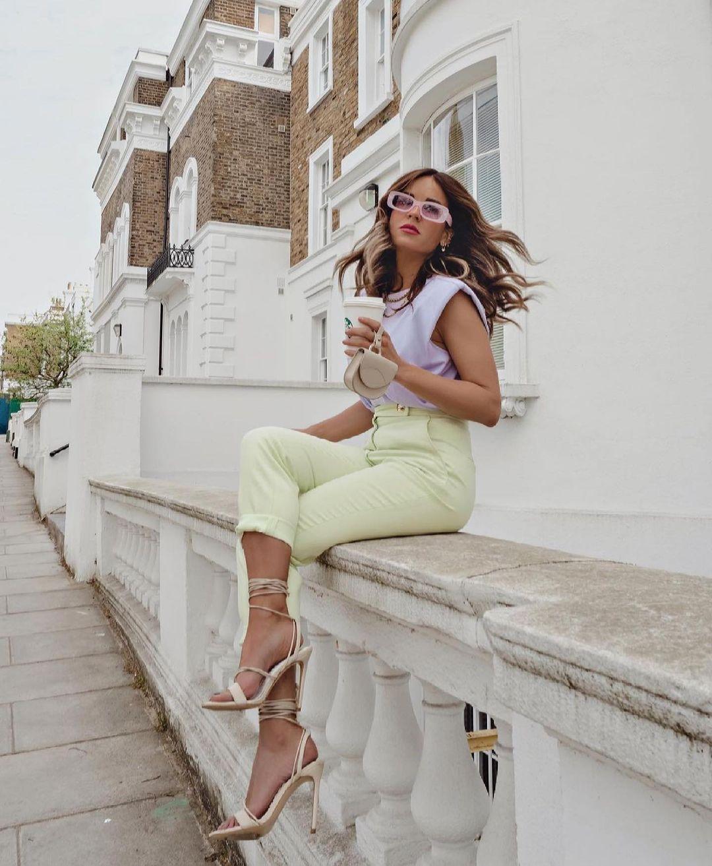 pantalon avec boutons à la taille de Zara sur zara.outfits