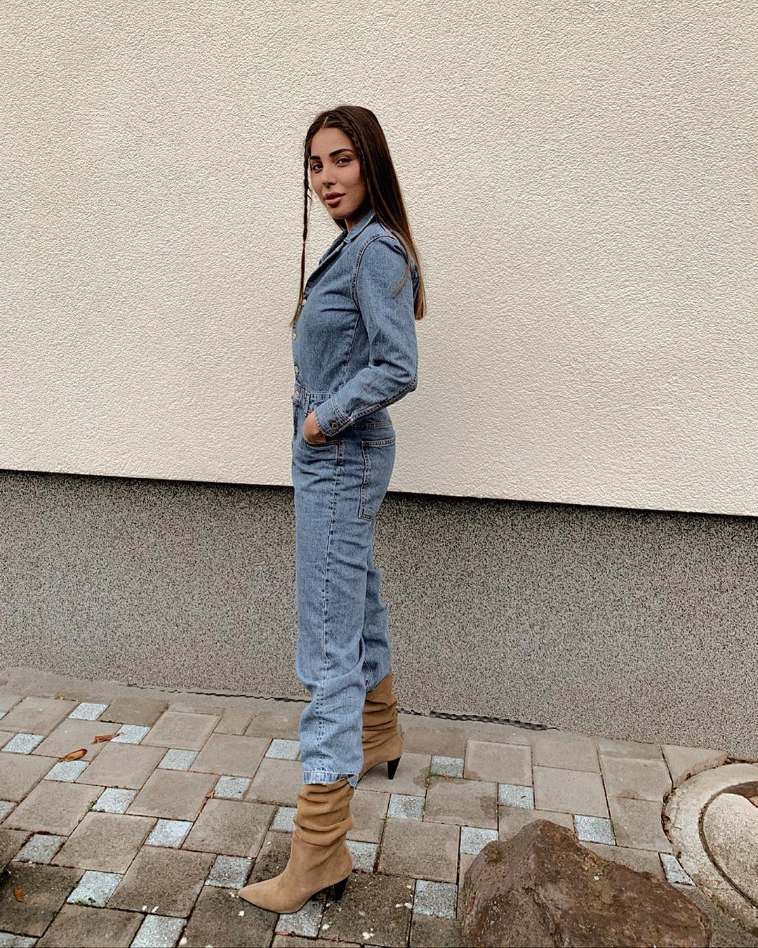 worker denim jumpsuit de Zara sur zarastreetstyle