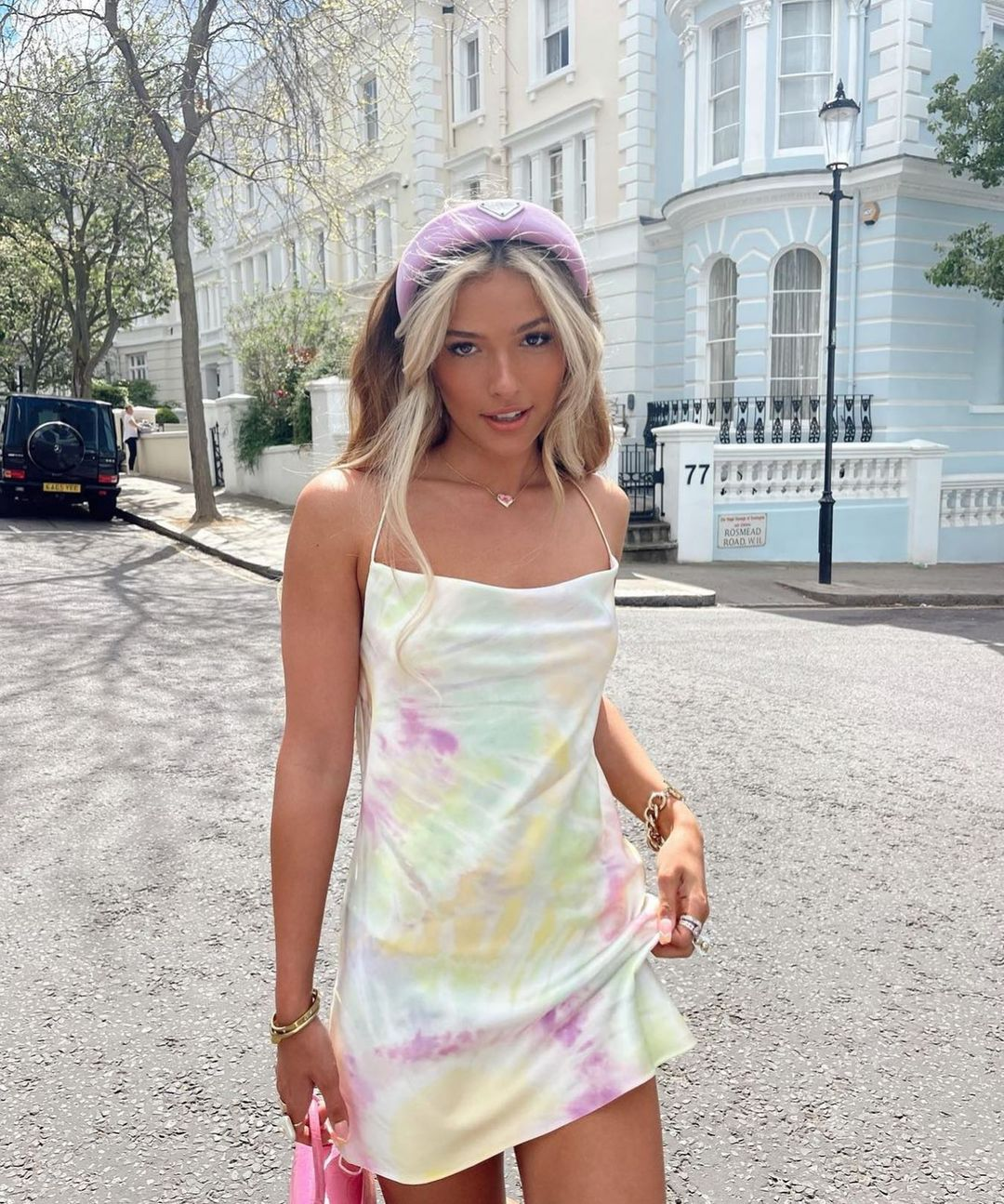 printed satin dress de Zara sur zarastreetstyle