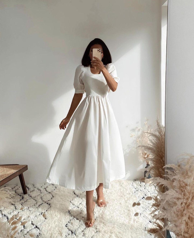 mid-length dress in poplin with inserts de Zara sur zara.outfits