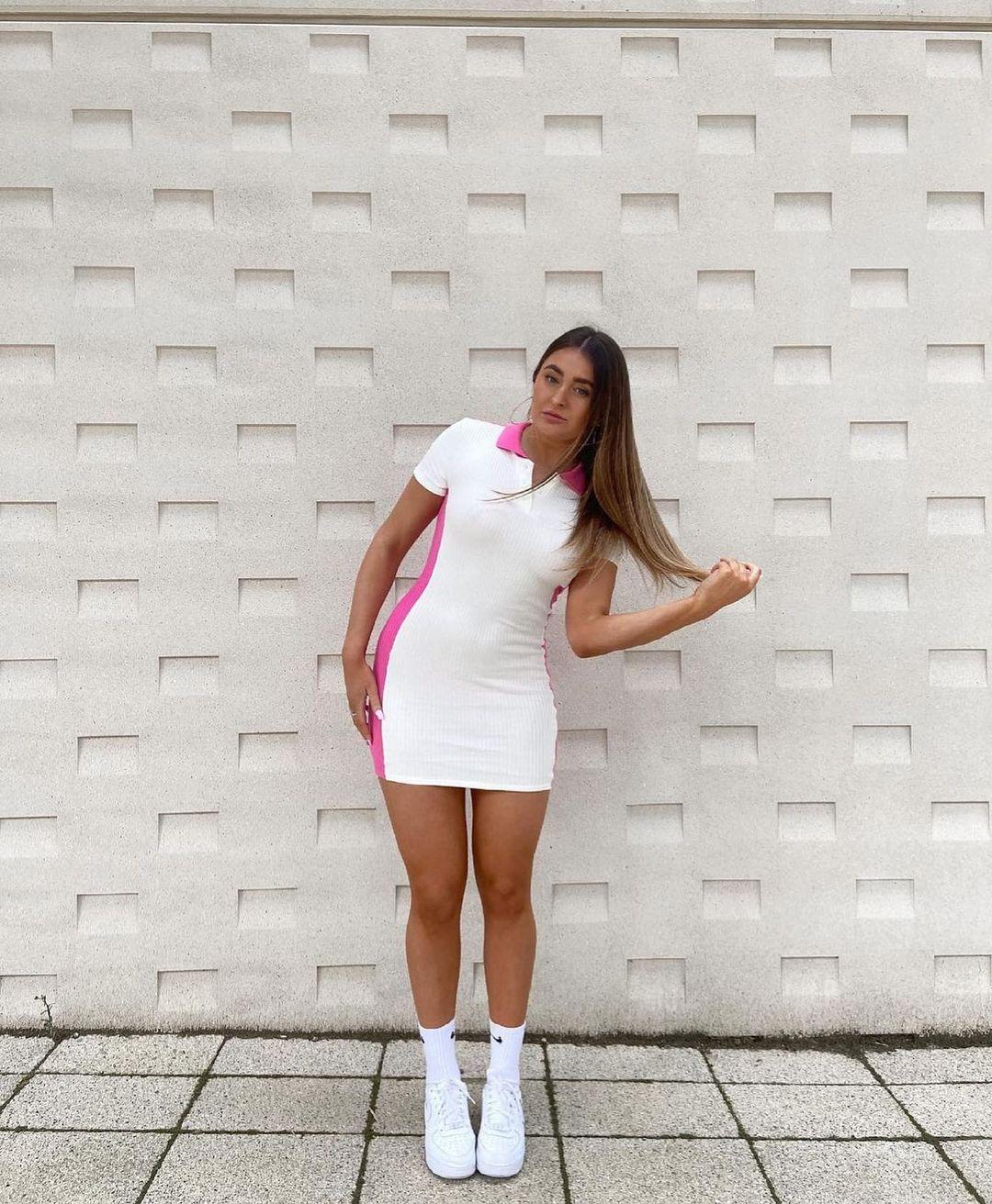 ribbed dress in contrast de Zara sur zara.style.daily