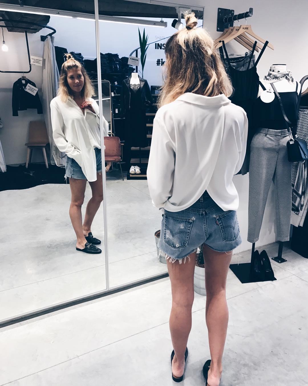 short levis 501 jeans bleu clair tirettes côtés  de Les Bourgeoises sur cyrielleforkure