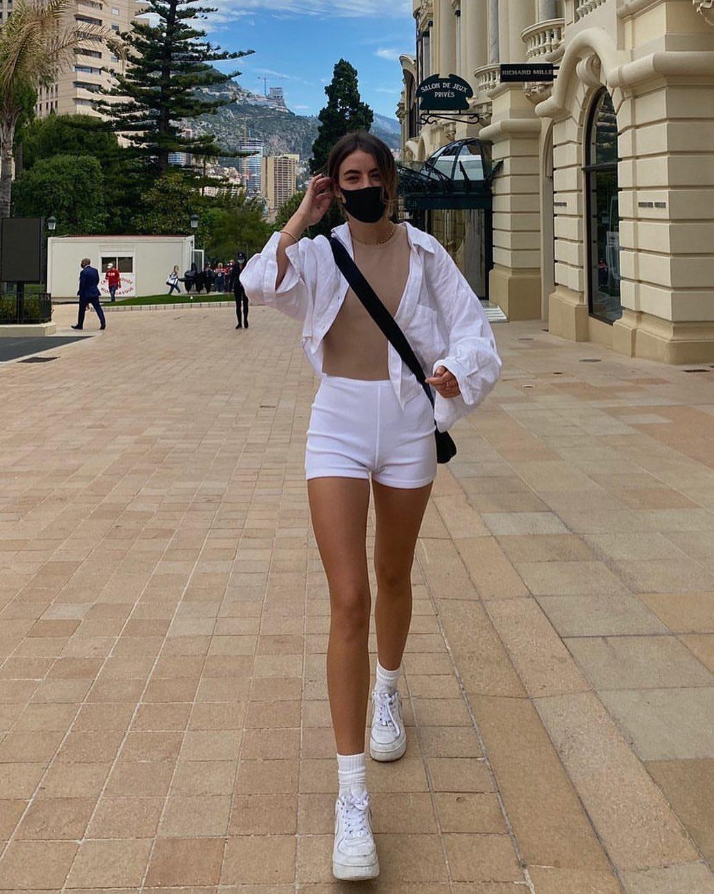 american neckline bodysuit de Zara sur zarastreetstyle
