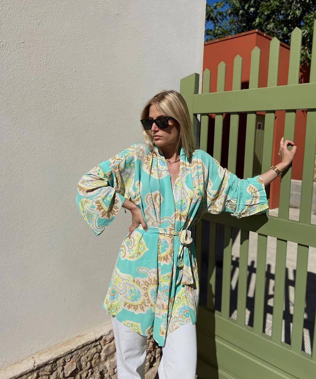printed blouse with bow de Zara sur zara.outfits