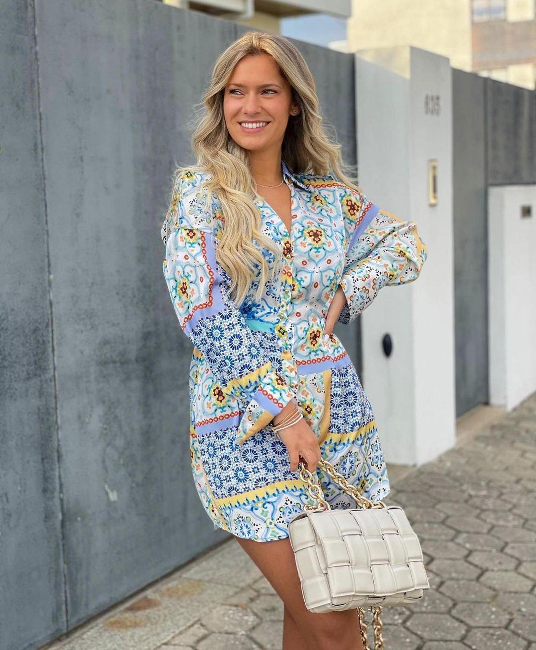 dress with patchwork print de Zara sur zara.outfits