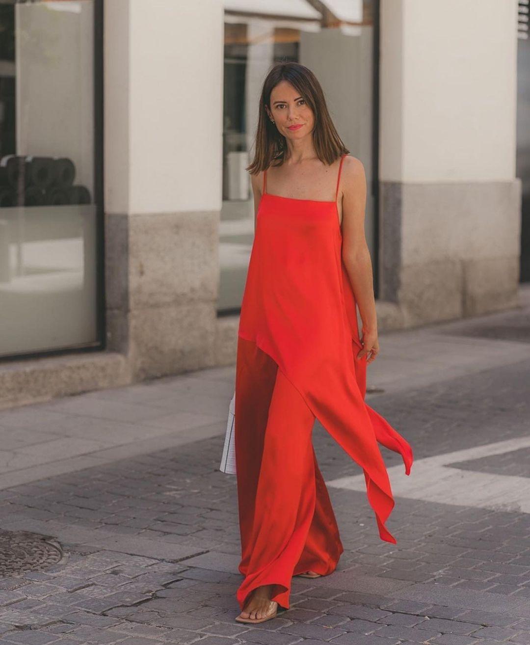asymmetrical satin top de Zara sur zara.outfits