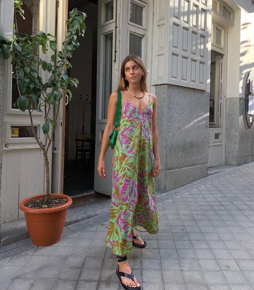 dress with printed linen de Zara sur zarastreetstyle