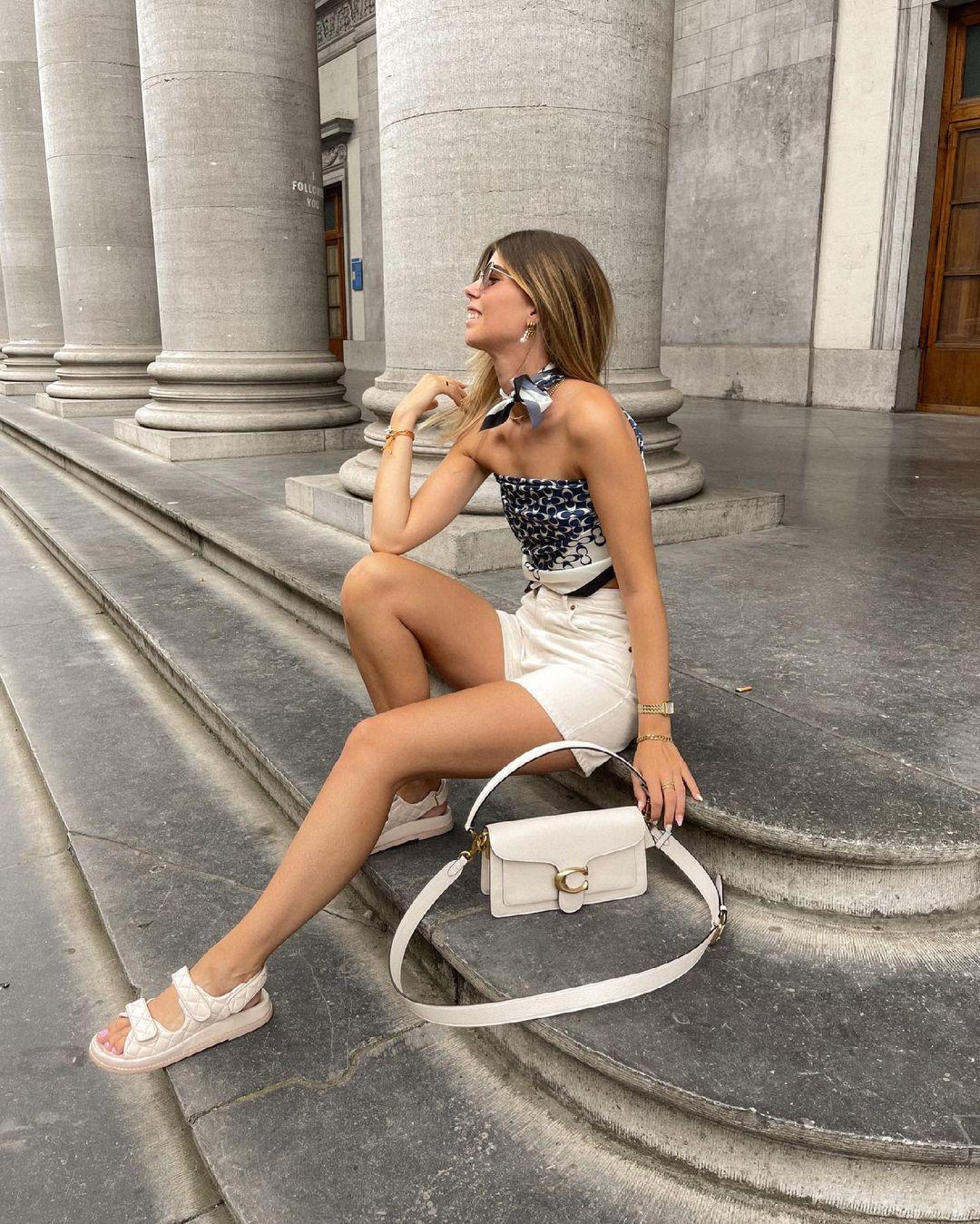 denim mini skirt de Zara sur nooomsworld