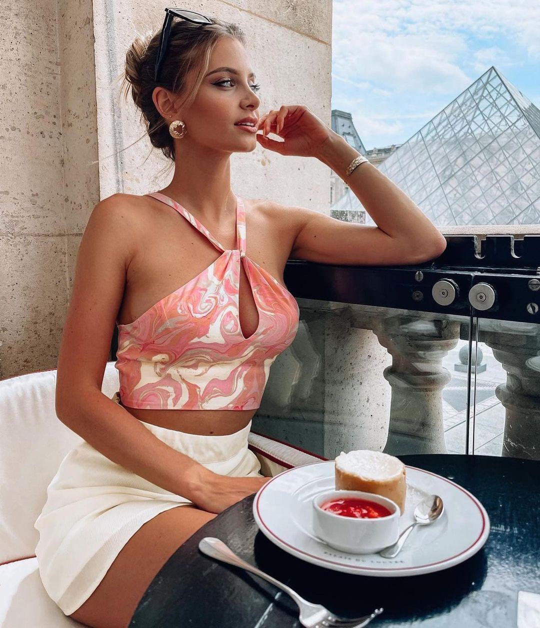 crop top with printed linen de Zara sur zara.outfits