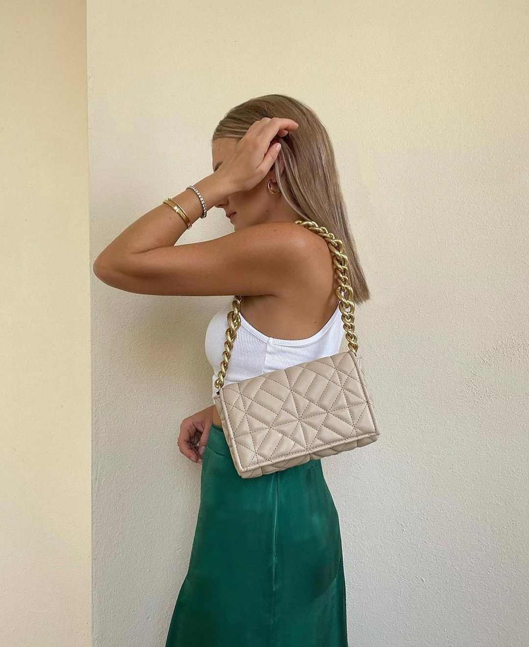 quilted shoulder bag with chain de Zara sur zara.outfits