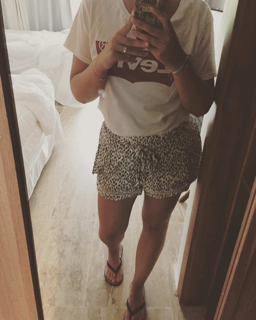 white levis t-shirt de Les Bourgeoises sur coraliebardiau