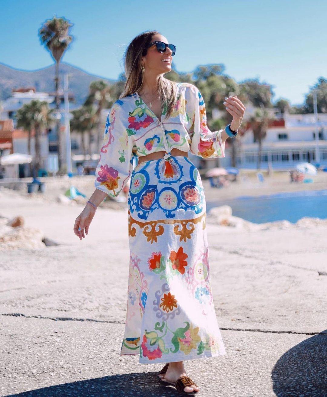 dress with printed linen de Zara sur zara.outfits