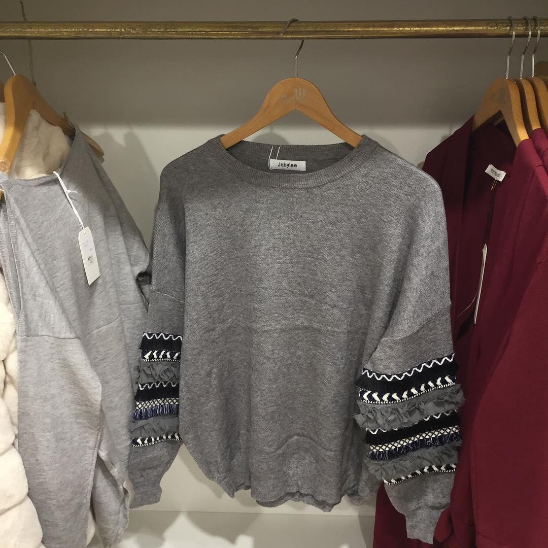 grey frou pullover de Les Bourgeoises sur eros_charleroi